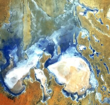 red_room_co_the_disappearing_lake_eyre-pick-1