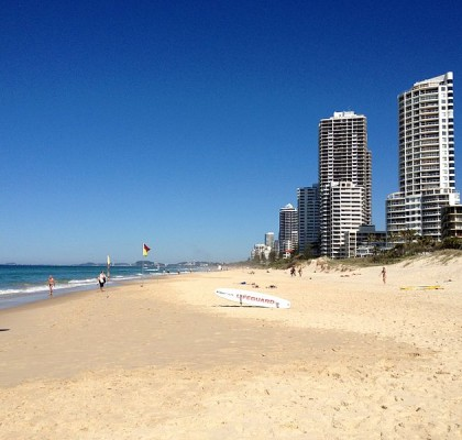 800px-northcliffe_beach_surfers_paradise_queensland_02
