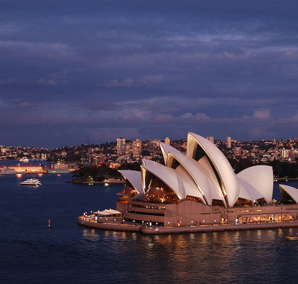 the_sydney_opera_house_at_dusk