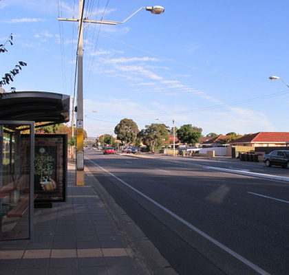 800px-OIC_OG_road_S_from_payneham_library